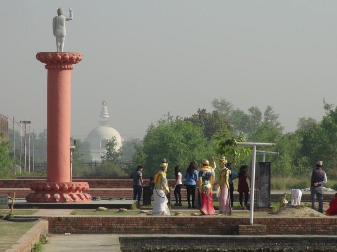 La ville de Lombini, sur notre route avec visite du Temple Maya Devi, lieu de naissance de BOUDDHA