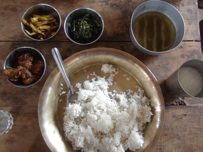 Le repas traditionnel dans tout le pays : le Dal Bhat