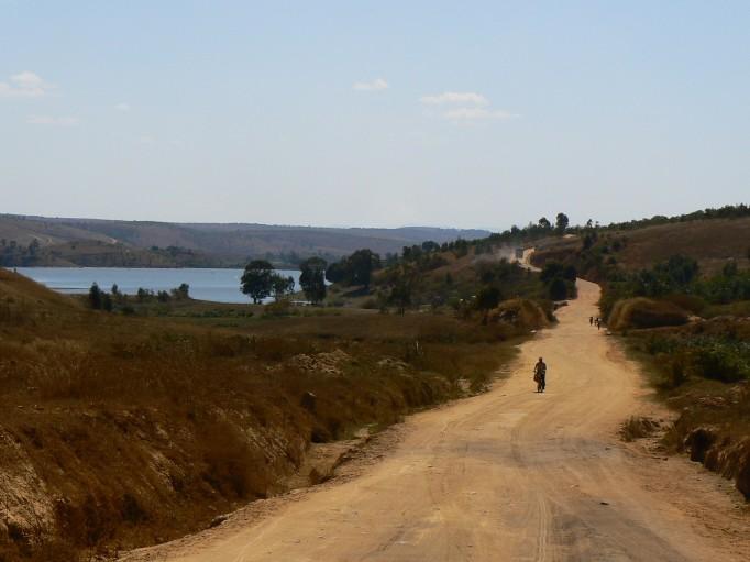 Une route chaotique : 120 km de piste en 8 heures
